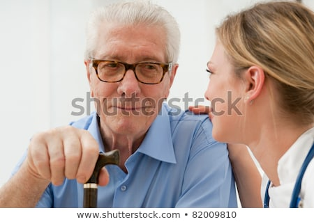 Mains Homme médecin supérieurs homme maison de retraite Photo stock © wavebreak_media