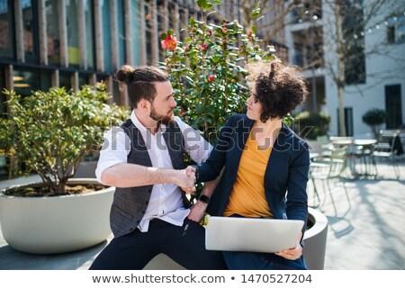 üzletemberek kézfogás üzlet étel kézfogás kommunikáció Stock fotó © IS2