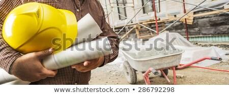 Trabalhador metal andaime antigo edifício fachada Foto stock © simazoran