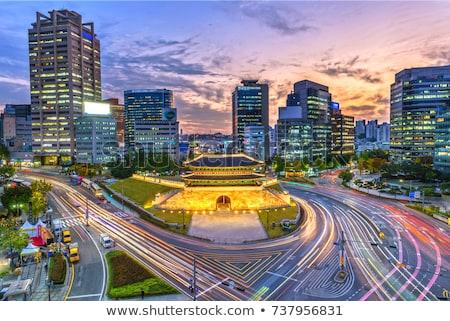 超高層ビル · 空っぽ · トラフィック · アップ - ストックフォト © vichie81