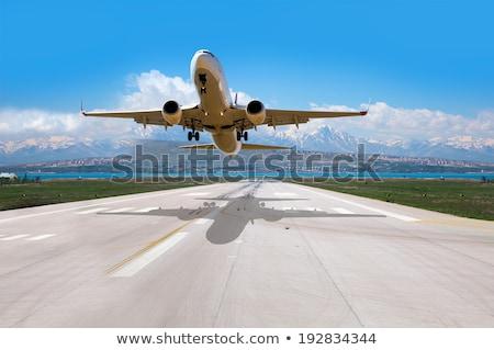 Vliegtuig af landingsbaan lucht vervoer illustratie Stockfoto © jossdiim