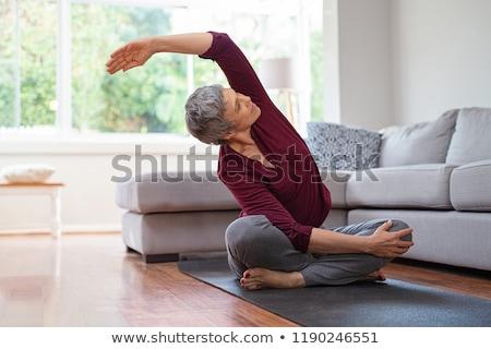 idős · nő · személyi · edző · néz · kamera · mosolyog - stock fotó © photography33