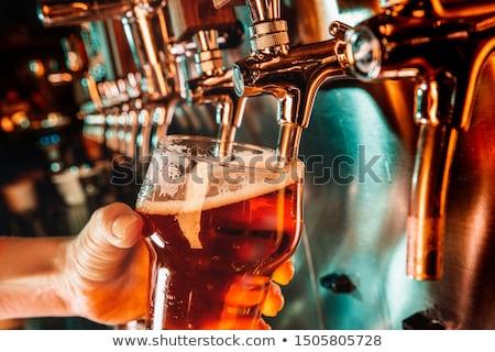 bier · geserveerd · bar · koud · achtergrond - stockfoto © stocksnapper