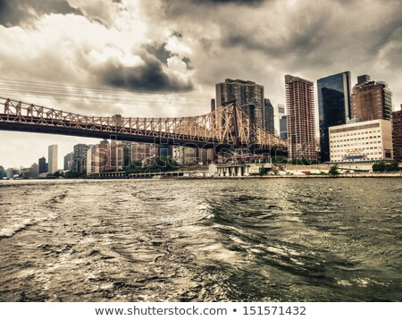 Эмпайр-стейт-билдинг · воды · зданий · реке · признаков - Сток-фото © rmbarricarte