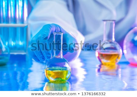 Vegyész folyadék megoldás teszt üveg nő Stock fotó © Kzenon