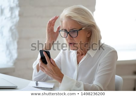 Holunder Frau Telefon Betrug rufen Kreditkarte Frau Stock foto © AndreyPopov