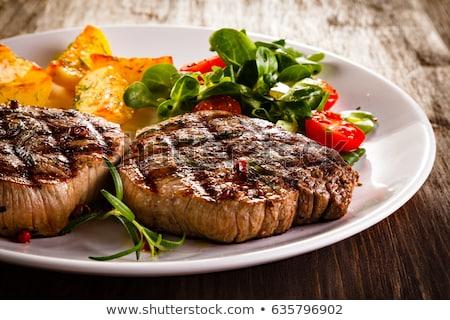A la parrilla carne de vacuno hortalizas almuerzo comedor barbacoa Foto stock © M-studio