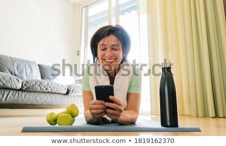 idősebb · nő · súlyzók · kéz · sport · fitnessz - stock fotó © photography33