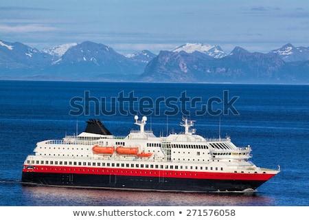 Zeilen noors kust luxueus kruiser Blauw Stockfoto © Harlekino