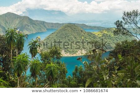 Eilanden meer vulkanisch krater hemel water Stockfoto © rhamm