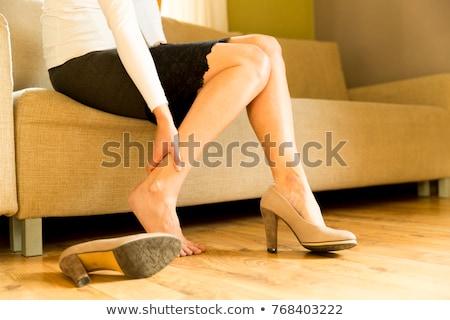 Imprenditrice piedi bella seduta sedia Foto d'archivio © nenetus