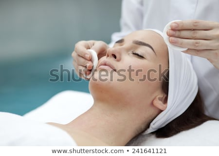 mujer · reiki · tratamiento · primer · plano · manos - foto stock © shawlinmohd