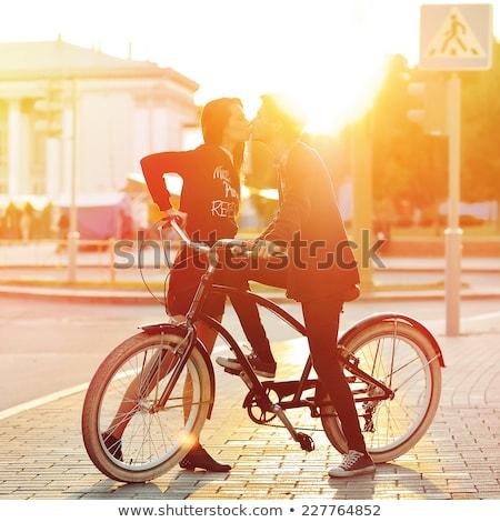женщину Постоянный Vintage велосипед корзины Сток-фото © dariazu