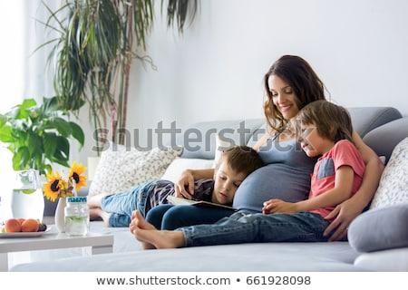 Donna incinta ragazzo ridere donna famiglia bambino Foto d'archivio © IS2