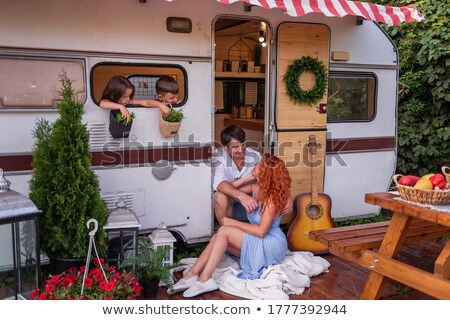 Familie camping boom gras zomer moeder Stockfoto © IS2