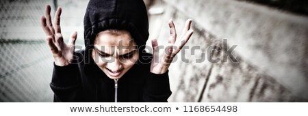 Stok fotoğraf: öfkeli · genç · kız · ayakta · okul · kampus