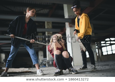 Penale gang arrestato indossare arancione donna Foto d'archivio © ongap