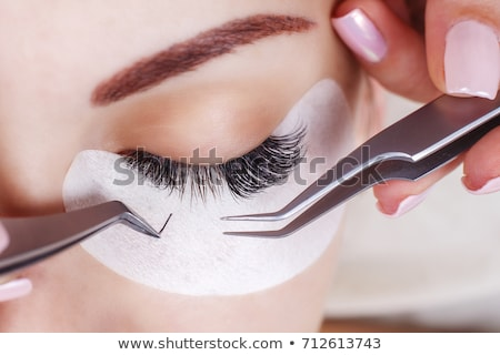 Kobieta salon piękności brew leczenie oka Zdjęcia stock © Kzenon