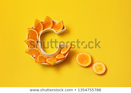 vitamina · c · naturalismo · tratamento · concentrar · fatia · laranja - foto stock © neirfy