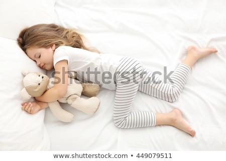 cute · meisje · teddybeer · bed · huis - stockfoto © choreograph
