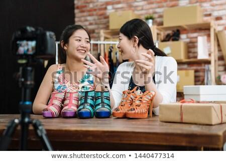 Asian femminile moda blogger video Foto d'archivio © dolgachov