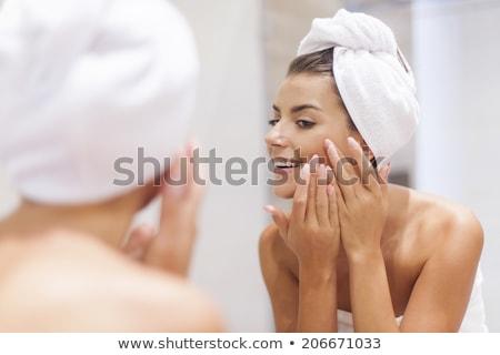 Mattina femminile igiene faccia capelli salute Foto d'archivio © photography33