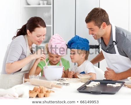 adorável · família · juntos · cozinha - foto stock © wavebreak_media