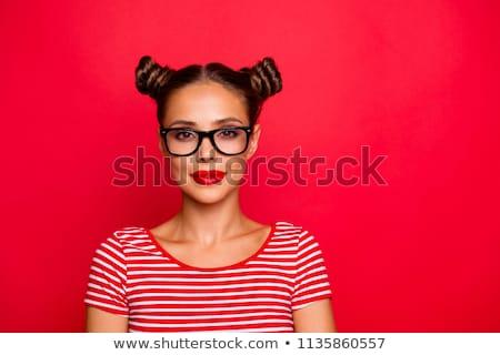 Mulher lábios vermelhos cabelo castanho olhando câmera sensual Foto stock © wavebreak_media