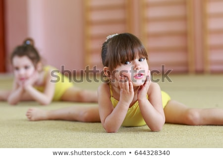 fiatal · lány · torna · fehér · sport · testmozgás · gyerek - stock fotó © fanfo