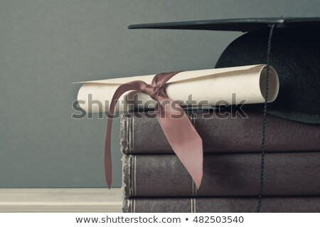 afstuderen · cap · scroll · boeken · top - stockfoto © frannyanne
