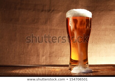 Foto stock: Fresco · frio · cerveja · isolado · branco · vidro