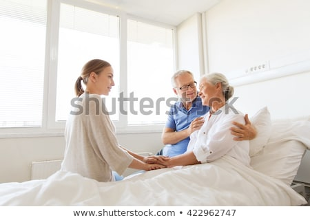 senior · vrouw · echtgenoot · ziekenhuis · paar · ziek - stockfoto © monkey_business