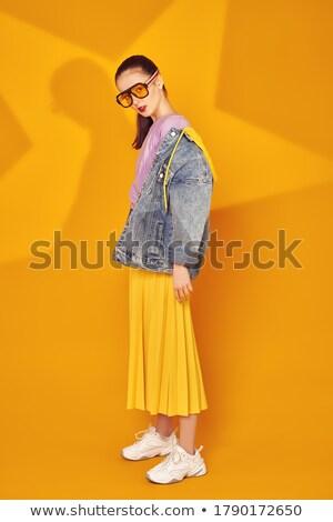 Afbeelding blijde vrouw denim kleding Stockfoto © deandrobot