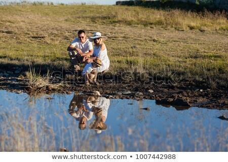 mère · pointant · étang · femme · nature · enfant - photo stock © is2