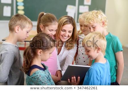 Zdjęcia stock: Ziewczyna · I · Jej · Nauczyciel · Pracuje · Na · Komputerze · W · Szkole · Podstawowej