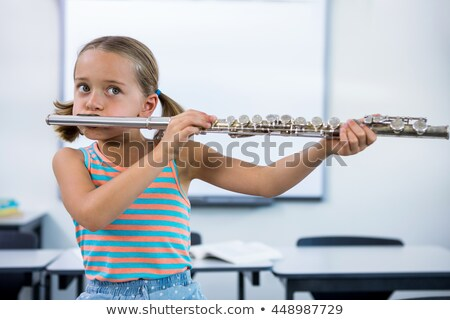 meisje · spelen · fluit · hand · student · kunst - stockfoto © wavebreak_media