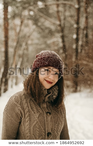 портрет довольно девушки зима ходьбы Hat Сток-фото © Stasia04