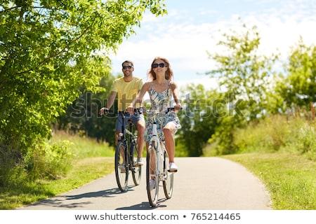 верховая · езда · велосипедах · парка · человека · счастливым - Сток-фото © photography33