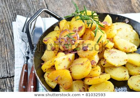 Batata cebola óleo de girassol grande panela cozinhar Foto stock © romvo