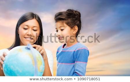 девочку · обучения · география · мамы · семьи · любви - Сток-фото © dolgachov
