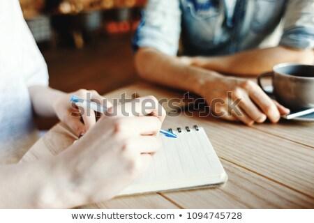 ノート 主催者 コーヒーブレイク 紙 作業 ストックフォト © stuartmiles