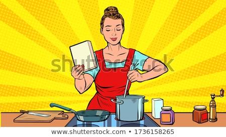 Feliz mulher cozinhar belo jovem cozinhar Foto stock © Lighthunter