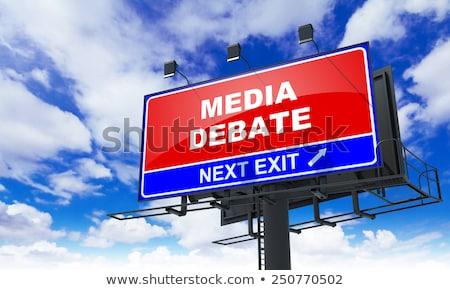 Médias débat rouge panneau routier ciel Photo stock © tashatuvango