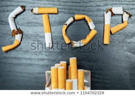 Rotto sigaretta top view fumare carta marrone Foto d'archivio © stevanovicigor