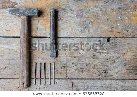 Houten hamer beitel gebruikt witte werk Stockfoto © gewoldi
