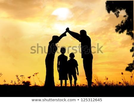 silhueta · família · casa · céu · mão · criança - foto stock © Paha_L