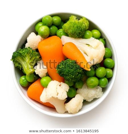 párolt · brokkoli · tányér · közelkép · lövés · répák - stock fotó © vitalina_rybakova