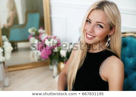 Belo rico loiro mulher elegante vestir Foto stock © iordani