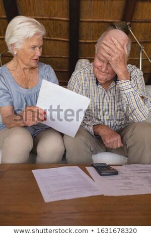 idős · pár · orvosi · számlák · mozgássérült · idős · nő - stock fotó © wavebreak_media