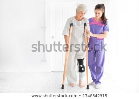 Médico ajuda muleta médico saúde Foto stock © photography33